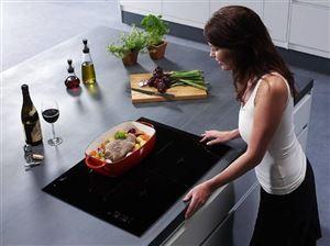Ngỡ ngàng với lời giải bức xạ bếp từ có ảnh hưởng tới sức khỏe không